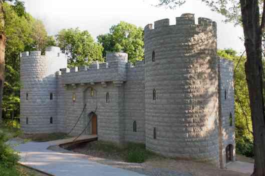 castle exterior byron