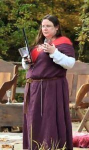 Mistress Euriol, photo by Master Alaxandair Ó Conchobhair.