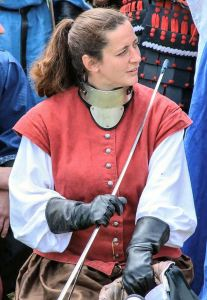 Countess Elena at the Rose Tourney at Pennsic 43, where she was sponsored by Countess Kallista. Photo by THL Juan Miguel Cezar.