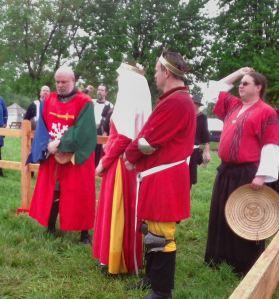 Sir Thomas Byron of Haverford as Kingdom Champion. Photo by Mistress Arianna of Wynthrope.