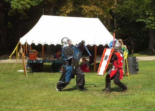 THLord Jussie Laplein vs. Lord Gunther Schwartzrosen. Photo by Master Alaric MacConnal.