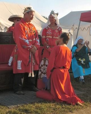 Ceindrech verch Elidir receiving her Sycamore. Photo by Arianna.