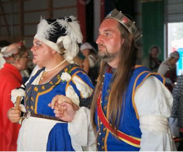 Baron Fergus and Baroness Helene at Pennsic 44. Photo by Mistress Rowena ni Donnchaidh.