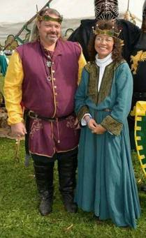 Baron Gunnar and Baroness Barbary Rose of Endless Hills. Photo by Caitriona de Clare.
