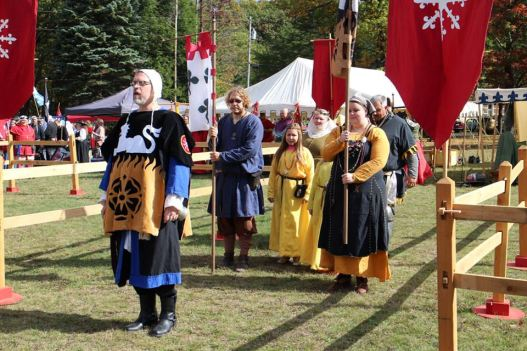 Duke Duncan and Duchess Ilish process in to the tournament. Photo by Master Alaxandair o Conchobhair.