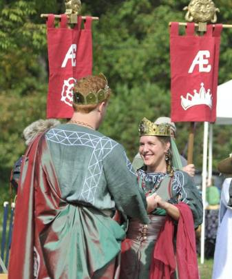 Etain is crowned Queen of AEthelmearc. Photo by Baron Steffan Wolfgang von Ravensburg.