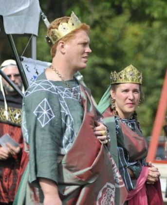 Tindal and Etain, Augustus and Augusta of AEthelmearc. Photo by Baron Steffan.