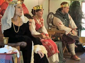 Her Highness Ariella and The Imperatori concentrate on the rounds. Photo by Baroness Katja.