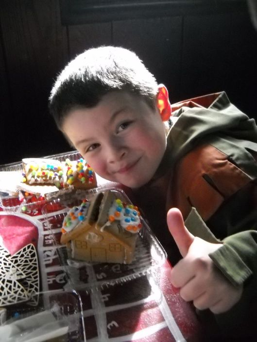 Carl gingerbread house