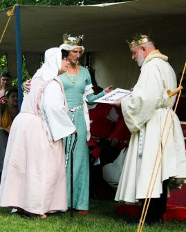 Lady Donatella is awarded Arms. Photo by Jinx.