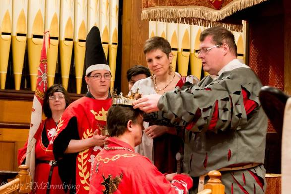 Timothy crowned - Yasmina