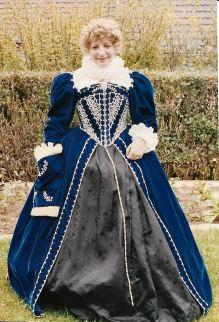 Ivone blue Elizabethan