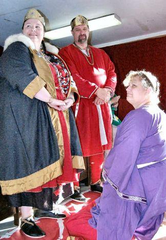 Isabelle of Dunbar Keystone