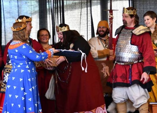 Ealdormere gifts to AE Crown